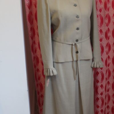 1970s Frill Neck Ladies Skirt Suit