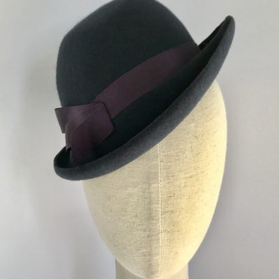 Foxy – 60% off in Lockdown Lovelies sale! 1940s-style trilby percher in navy wool felt