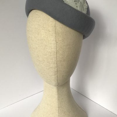 Sabrina – wool felt beret with ribbon leaf detail