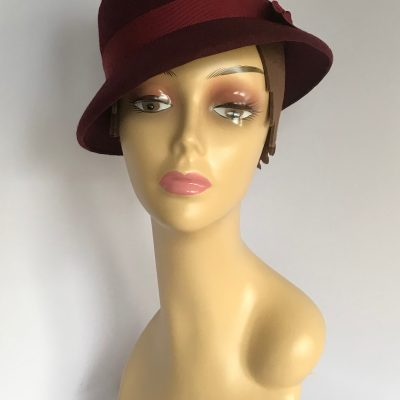Mrs Wainwright – 1940s-style hat in wool felt – made to order