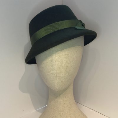 Mrs Wainwright – 1940s-style hat in wool felt