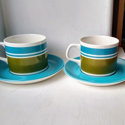 Pair of retro J & G Meakin Studio teal & green cups & saucers