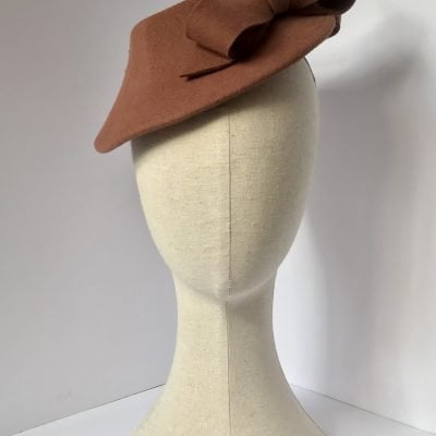 Miss Catherine – percher/tilt hat in wool felt